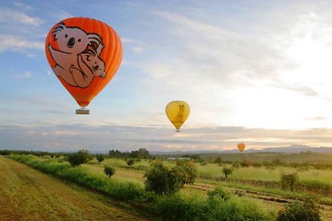 Paket Cairns Hot Air Ballooning