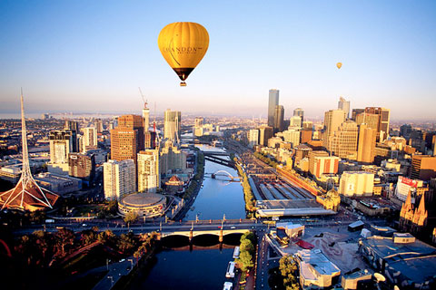 Paket Melbourne Sunrise Hot Air Balloon Flight