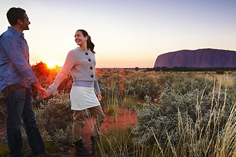 Paket Uluru Sunrise and Sacred Sight