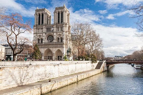 Paket Tour 16D/15N Explore Eastern to Southern Europe In & Out Paris