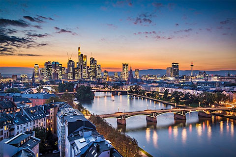 Paket Tour 16D/15N Explore Western to Eastern Europe In & Out Frankfurt
