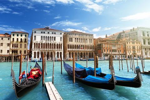 Paket Tour 6D/5N Explore Vienna - Munich - Lucerne - Venice - Rome
