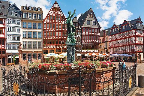 Paket Tour 9D/8N Explore Paris - Luxembourg - Frankfurt - Prague - Budapest - Vienna