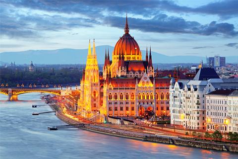Paket Tour 9D/8N Explore Paris - Zurich - Prague - Bratislava - Budapest - Vienna - Munich