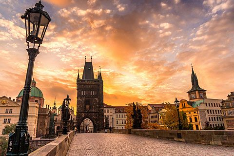 Paket Tour 13D/12N Explore Italy - France - Switzerland - Germany - Czech - Slovakia - Hungary - Austria