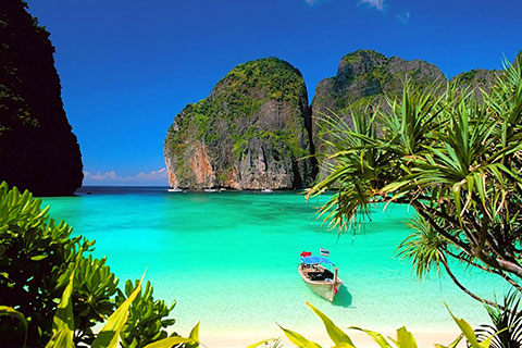 Paket Tour 4D/3N Experience Phuket Patong Chic Island Holiday