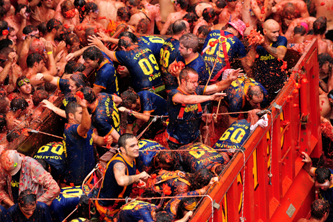 Paket Tour 4D/3N Favourite Tomatina Festival With Barcelona