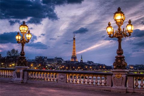 Paket Tour 6D/5N Explore Paris - Zurich - Frankfurt