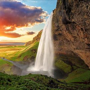 Air Terjun Seljalandsfoss