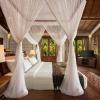 deluxe-beach-front-villaroom