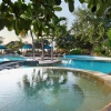 vila-ombak-FACILITIES-ISLAND-POOL-BAR-2