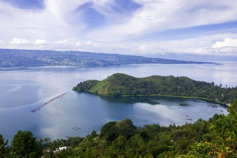 Paket Tour: 3D/2N Favourite Silangit - Balige - Danau Toba ...