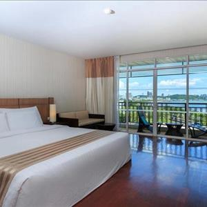 Discovery Beach Hotel Pattaya
