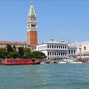 Hop-on-Hop-off-Venice-Boat-Tour